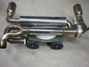 フェラーリ 308 マフラー加工 & バックフォグスムージング